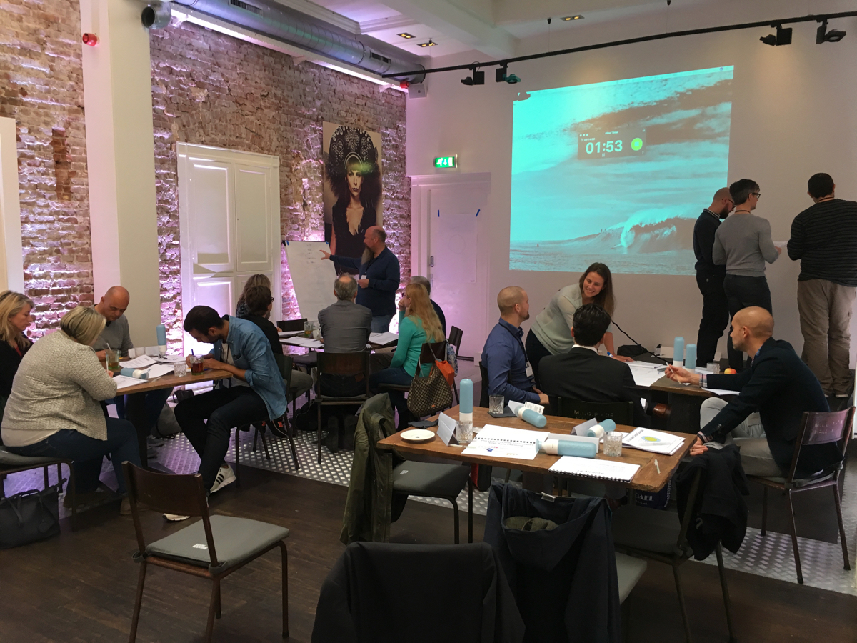 Agile leadership training with people in the class
